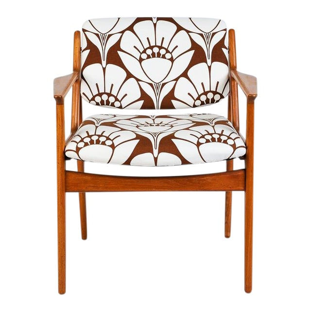 Mid-Century Modern Teak Side Chair With Tipping Back For Sale