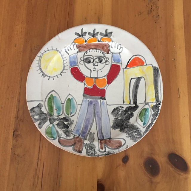 Wonderful 10 inch DeSimone Sicilian Charger Plate Excellent condition DeSimone Reminiscent of Picasso Mid Century Marked