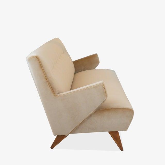 """Wood """"Model 37"""" Sofa in Camel Velvet by Jens Risom for Knoll For Sale - Image 7 of 9"""