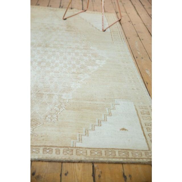 "Textile Vintage Distressed Oushak Rug - 4'10"" X 7'8"" For Sale - Image 7 of 12"