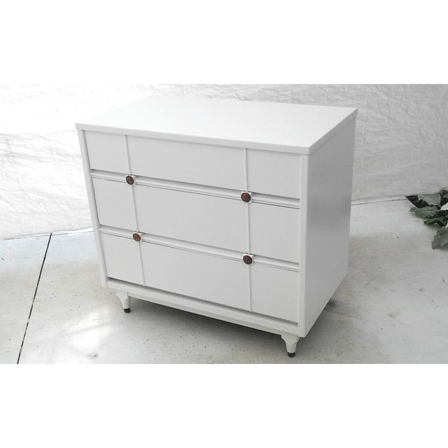 Kroehler Mid-Century White Lacquer Dresser - Image 4 of 10