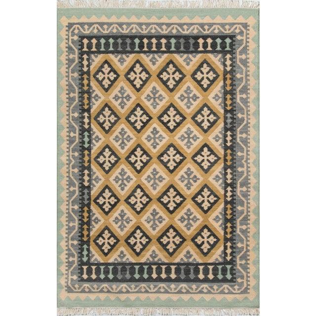 "Momeni Caravan Hand Woven Gold Wool Area Rug - 3'9"" X 5'9"" For Sale In Atlanta - Image 6 of 6"