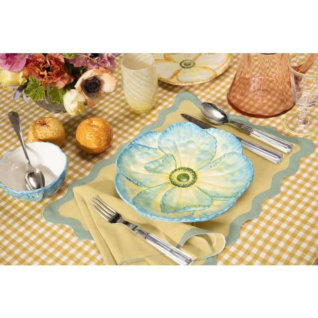 Cream Moda Domus x Chairish Exclusive Scalloped Linen Placemat + Napkin Colorblock Set For Sale - Image 8 of 9