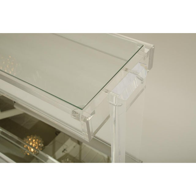 Mid-Century Lucite Console with Inset Mirrored Shelf and Inset Glass Top For Sale - Image 4 of 6
