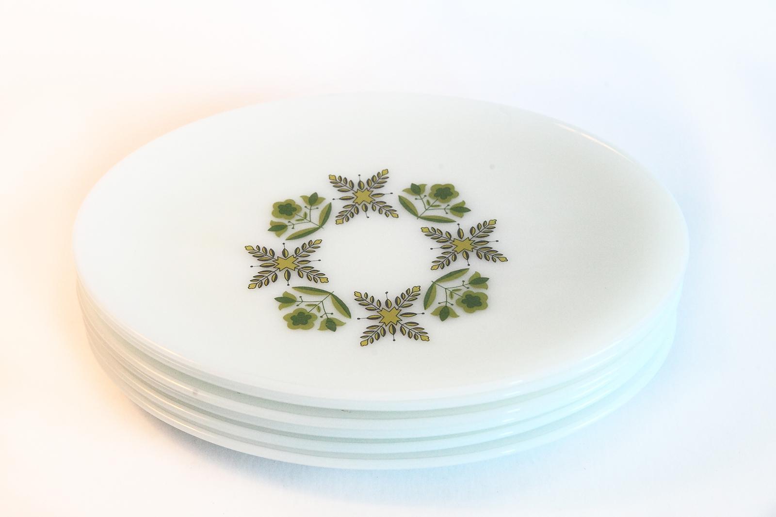 White Milk Glass Oval Dinner Plates - Set of 6 - Image 6 of 6  sc 1 st  Chairish & White Milk Glass Oval Dinner Plates - Set of 6 | Chairish