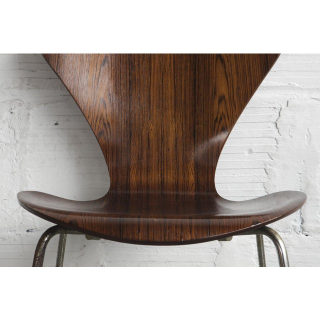 Set of Series 7 Arne Jacobsen Dining Chairs - Image 8 of 8