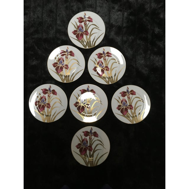 """Early 21st Century Fritz and Floyd """"Iris Burgundy"""" Salad Plates - Set of 7 For Sale - Image 5 of 5"""
