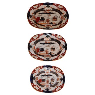 Set of Three Mason's Graduated Platters, Staffordshire, circa 1825 For Sale