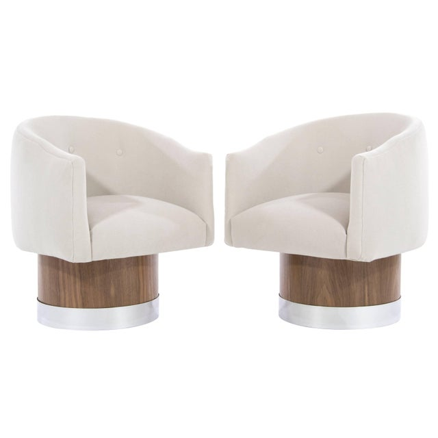 Mid-Century Modern Swivel Chairs on Walnut Bases by Milo Baughman For Sale - Image 9 of 9
