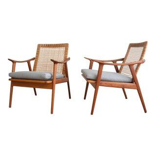 """Vintage Fredrik Kayser for Vatne Lenestolfabrikk """"Model 571"""" Chairs- a Pair For Sale"""