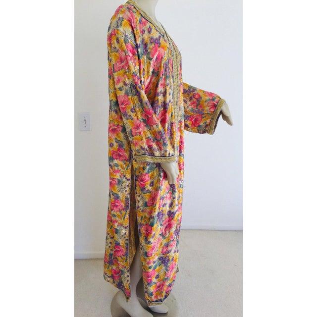 Elegant Moroccan Caftan Metallic Floral Silk Brocade For Sale In Los Angeles - Image 6 of 13