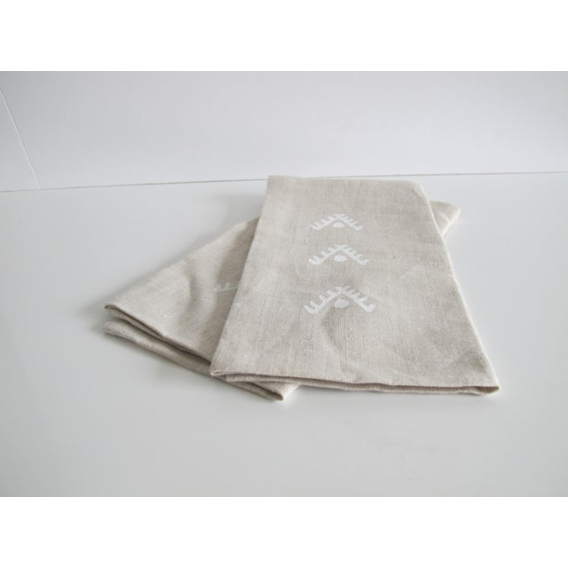 Geometric Brown Linen Napkins- A Pair - Image 4 of 4