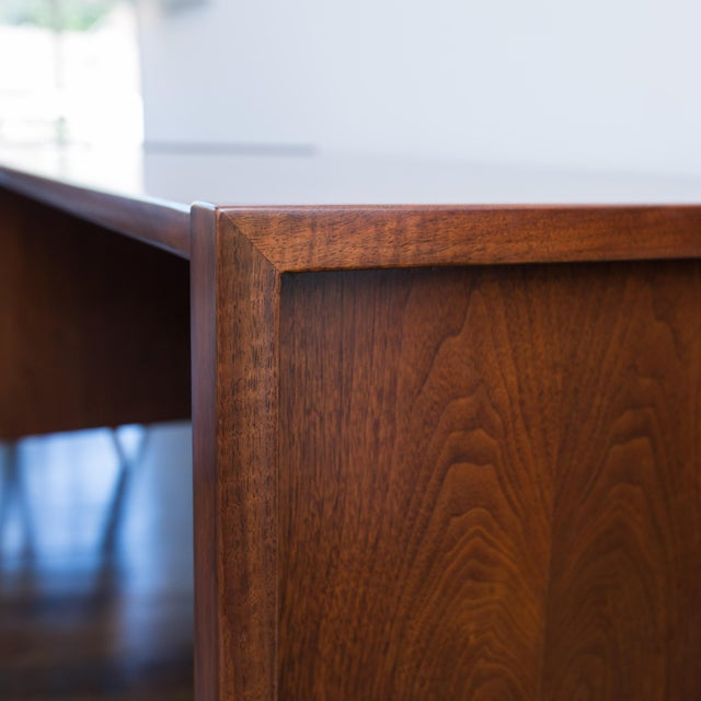 Jens Risom Single Pedestal Desk - Image 3 of 8