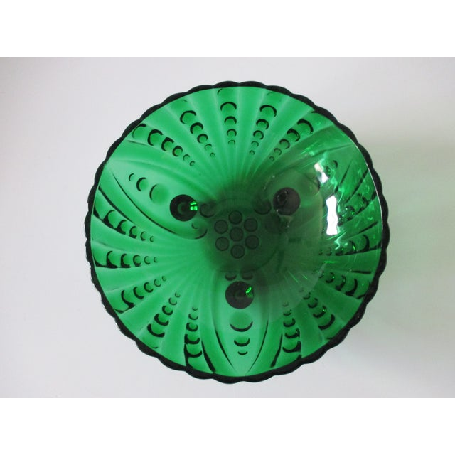Vintage Emerald Green Round Catchall - Bowl Made with cut glass. Size: 8 x 8 x 2.75