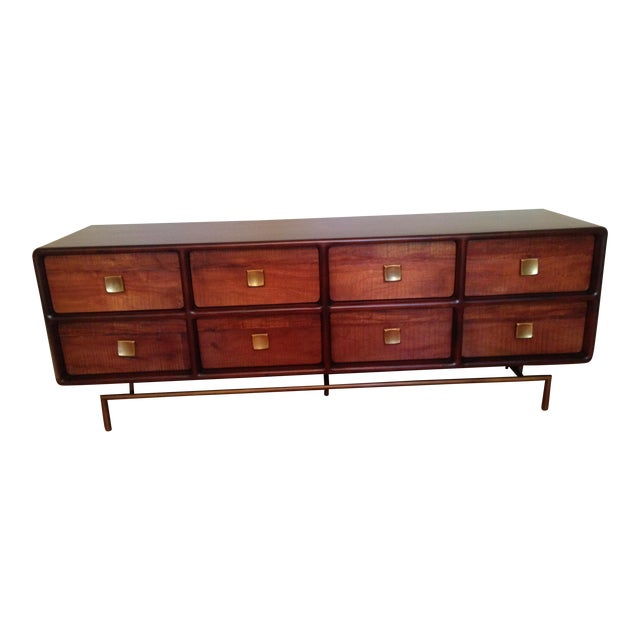 Crate & Barrel Zander 8-Drawer Dresser For Sale