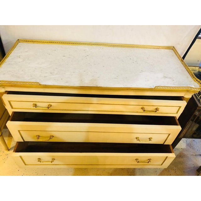 Maison Jansen Style Hollywood Regency Commodes, Dressers, Nightstands, a Pair For Sale - Image 10 of 13
