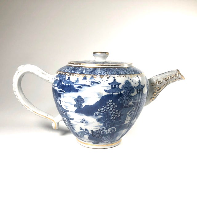 """Late 18th Century English Georgian Period Caughley """"Blue Willow Nankin"""" Teapot or Punch Pot For Sale - Image 4 of 9"""