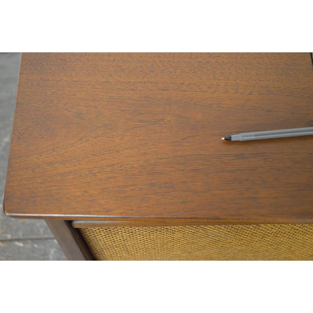 Brown Mid Century Modern Danish Style Stereo Console w/ Record Player For Sale - Image 8 of 10
