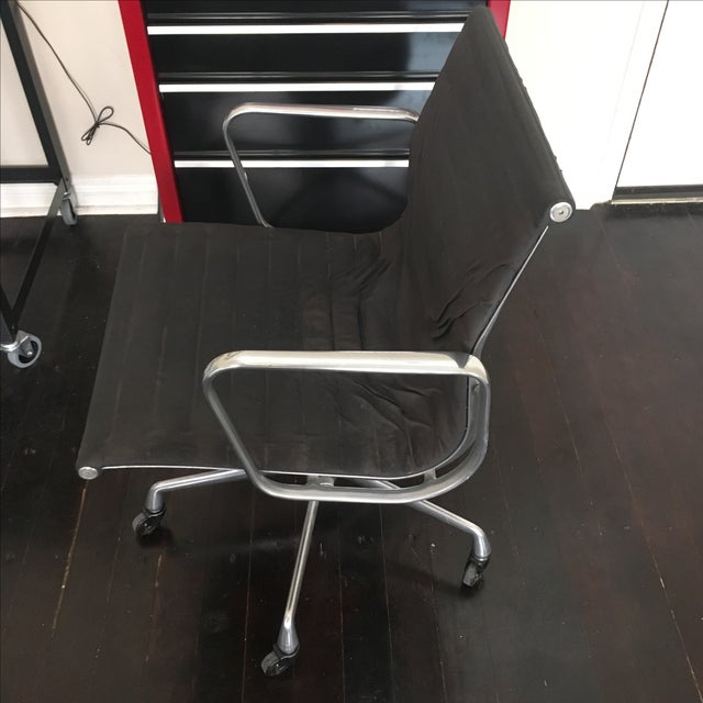 Eames Aluminium Group Management Chair - Image 2 of 5