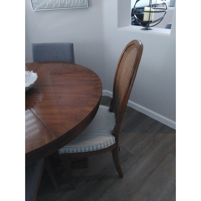 Vintage Mid Century Drexel Francesca Louis XV French Oval Back Dining Chairs- Set of 4 For Sale In Palm Springs - Image 6 of 7