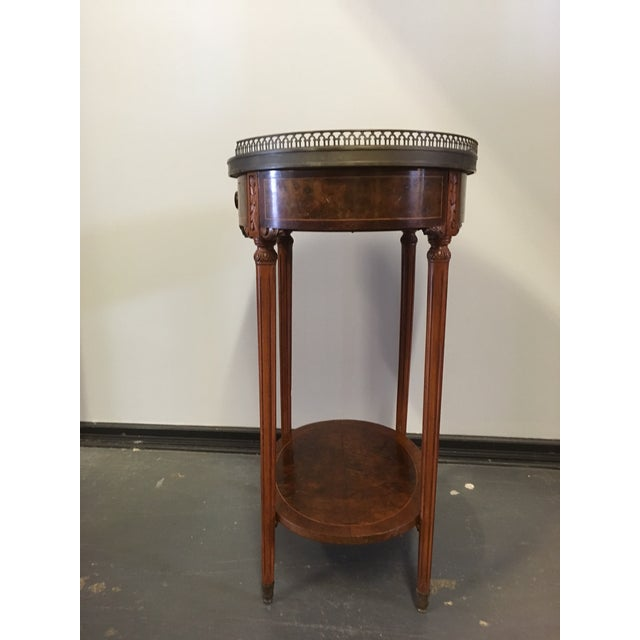 1900s French Oval Side Table With Marble Top For Sale - Image 4 of 13