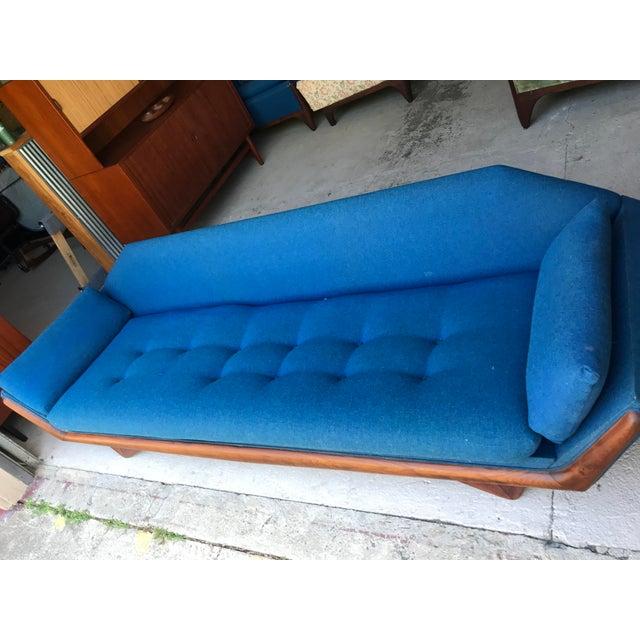 "1960s 101"" Adrian Pearsall Walnut Gondola Sofa Craft Associates For Sale - Image 5 of 13"