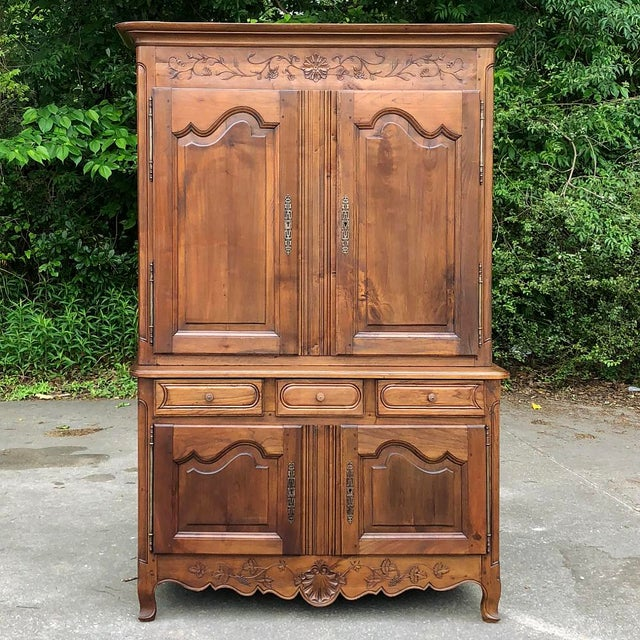 19th Century Country French Fruitwood Buffet a Deux Corps For Sale - Image 4 of 13