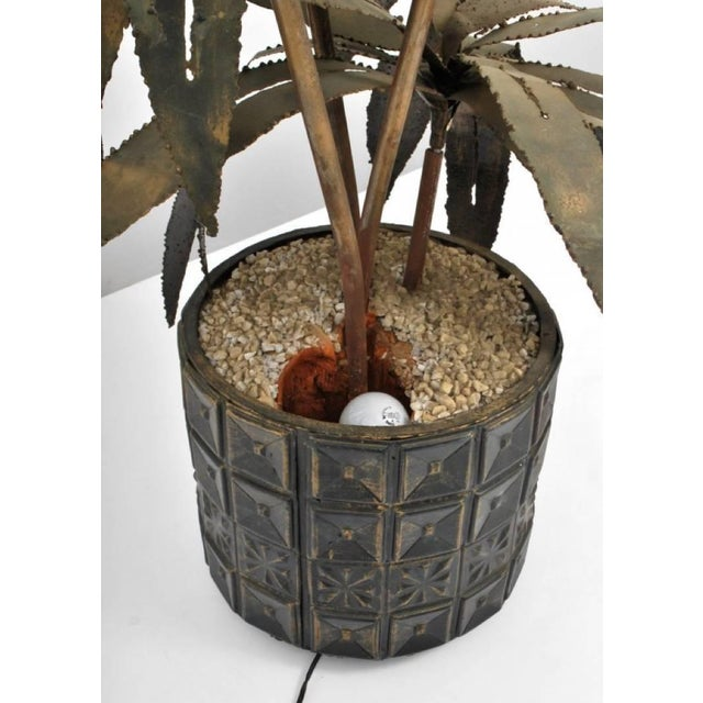 Curtis Jere Illuminated Brutalist Palm Tree Sculpture in Paul Evans Style Pot, Circa 1970 For Sale - Image 4 of 5