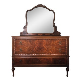 1900s Art Nouveau Berkey & Gay Dresser With Mirror For Sale