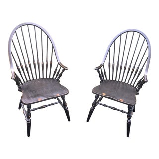 English Traditional Windsor Arm Chairs - a Pair For Sale