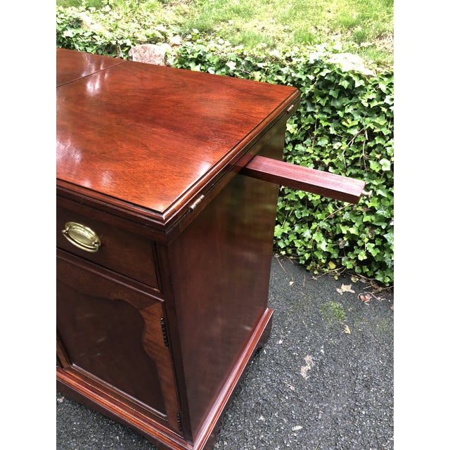 1990s Thomasville Mahogany Collection Flip Top Server For Sale - Image 5 of 13