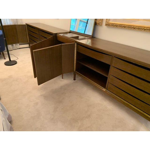 1950s Mid-Century Modern Paul McCobb for Calvin Vanity Furniture Dressers For Sale - Image 5 of 8