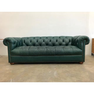 1980s Vintage Classic Green Tufted Chesterfield Sofa Preview