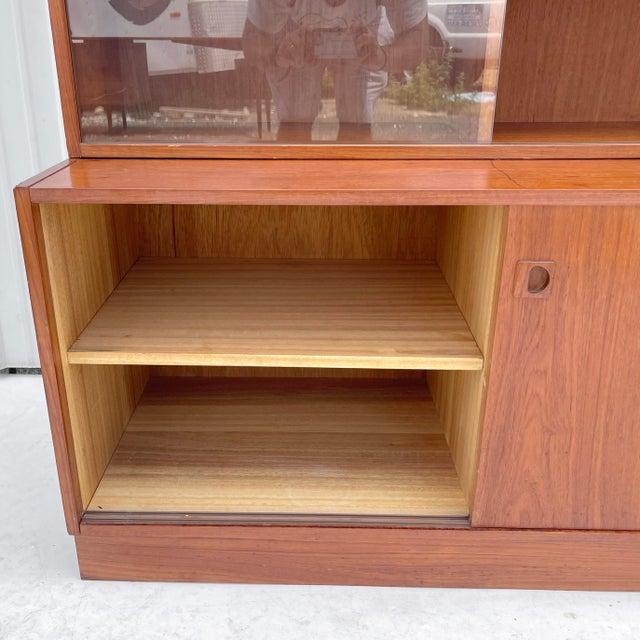 Mid-Century Teak Bookshelf With Cabinet For Sale - Image 4 of 13