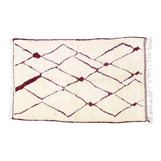 1990s Beni Ourain Moroccan Rug-5′2″ × 8′2″ For Sale