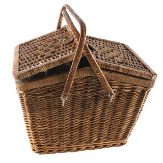 Wicker Picnic Basket With Accessories - Set of 13
