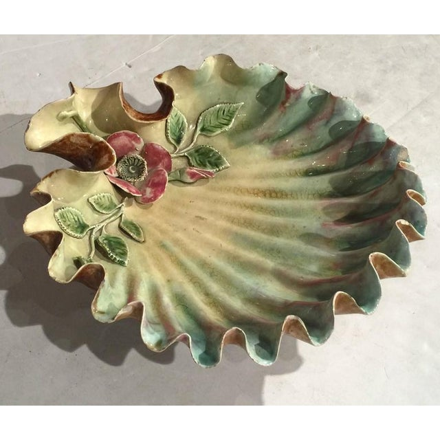French 19th Century French Hand Painted Barbotine Shell Dish For Sale - Image 3 of 10