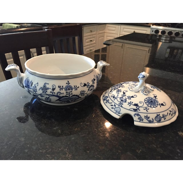 1970s 1920s Chinoiserie Bohemia D Zwiebelmuster Covered Tureen For Sale - Image 5 of 12