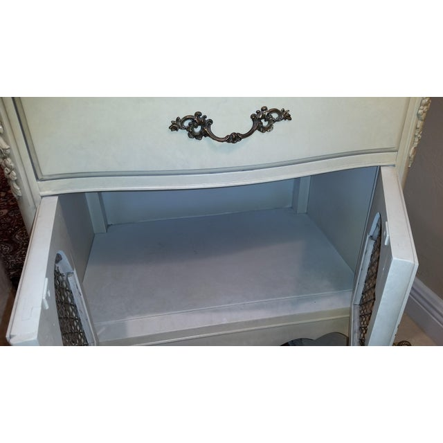 White French Provincial Nightstands - Final Markdown Before Donation to Charity For Sale - Image 8 of 13