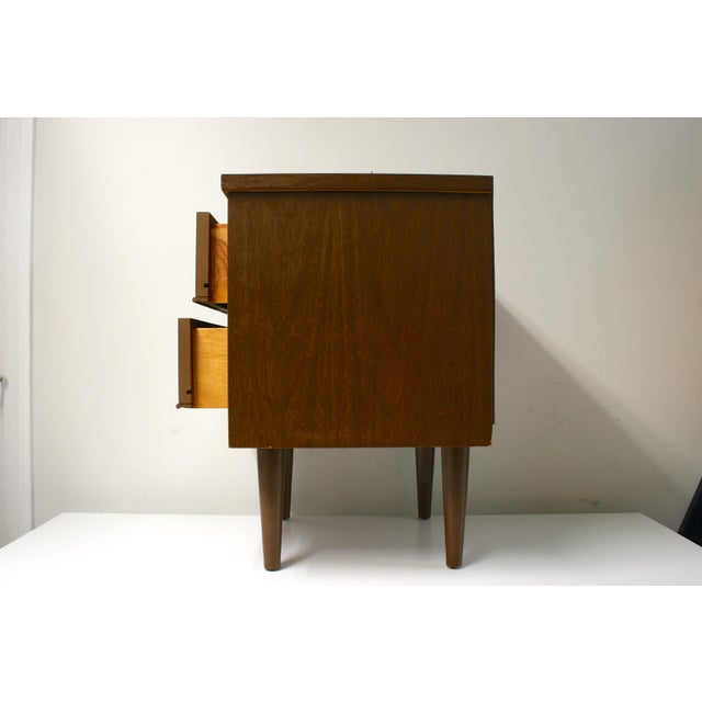 Mid Century Modern 2-Drawer Nightstand For Sale - Image 4 of 9