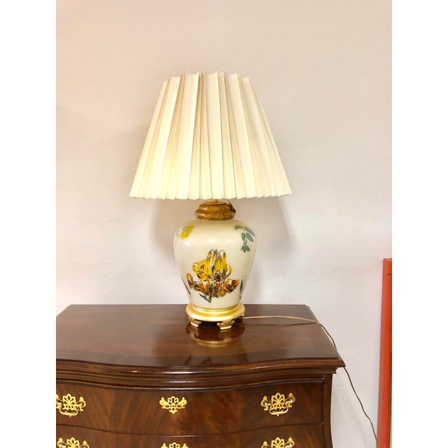 Cream Chinoiserie Style Floral & Botanical Table Lamp For Sale - Image 8 of 8