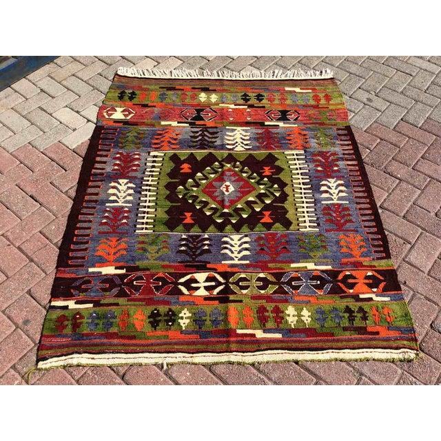 Green Vintage Turkish Kilim Rug For Sale - Image 8 of 8