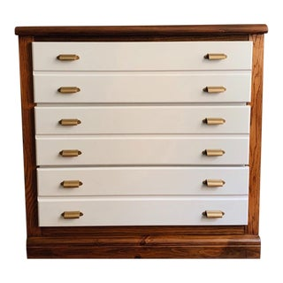 Bassett Mid-Century Modern Dove Gray Painted Walnut Dresser For Sale