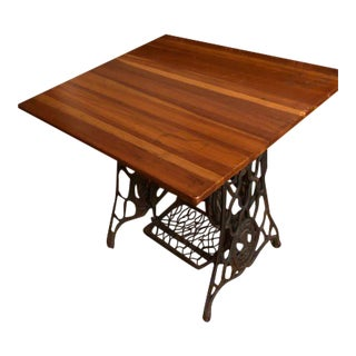 1920s Industrial Singer Cast Iron and Oak Sewing Table For Sale