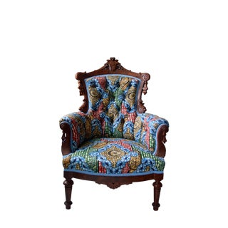 19th Century Victorian Carved Walnut and Button Upholstered Armchair For Sale