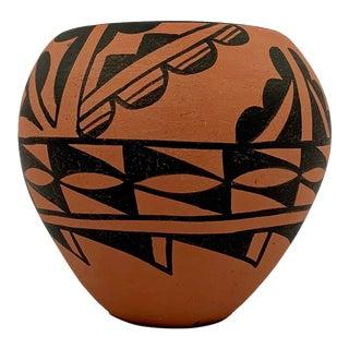 Vintage Native American Style Acoma Pueblo Pottery Piece For Sale