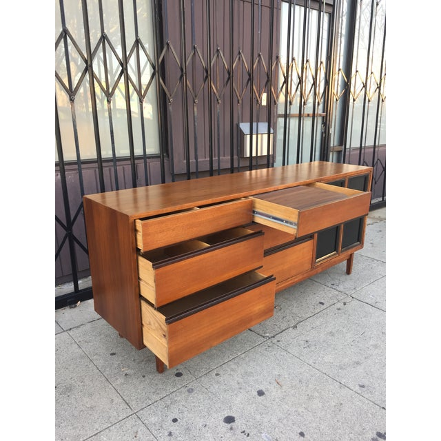 Wood Mid Century Lowboy Dresser With Hidden Vanity by H.Paul Browning for Stanley Furniture Co. For Sale - Image 7 of 13