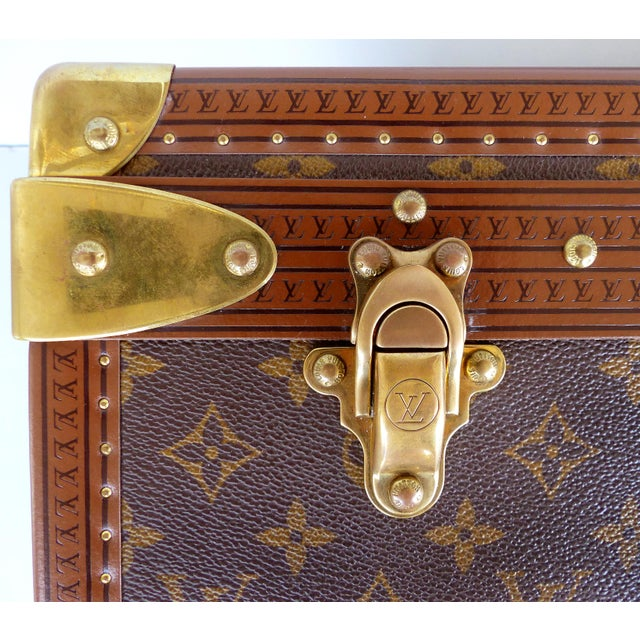 Louis Vuitton Alzer 80 Leather and Brass Suitcase & Original Protective Cover For Sale In Miami - Image 6 of 11