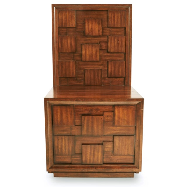 American Early 20th Century American Mid-Century Mahogany Nightstands-a Pair For Sale - Image 3 of 9