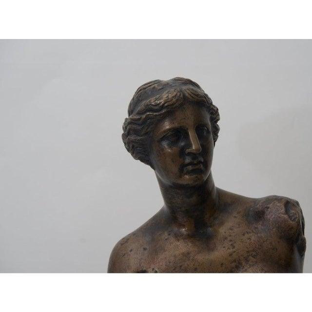 Traditional Antique F. Barbedienne Venus De Milo Bronze Sculpture For Sale - Image 3 of 11